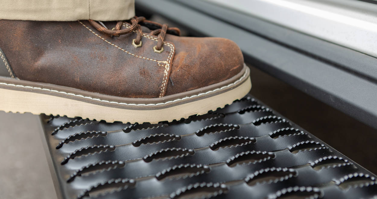 Grip Step XL Expanded Steel Treads
